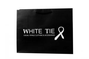 χάρτινες Τσάντες με κορδόνι- λευκό μαύρο
